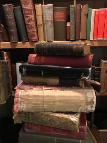antiquarianpile.